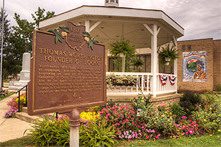 Web Design in Logan Ohio - Historical Marker, Gazebo and Chief Logan Mural - Worthington Park